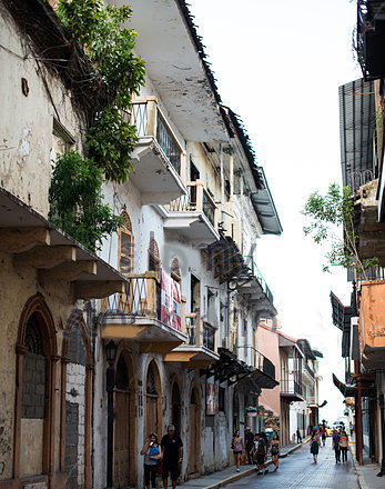 buildings-and-spanish-colonial-architecture-Panama Colonial